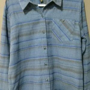 Patagonia button down shirt size L